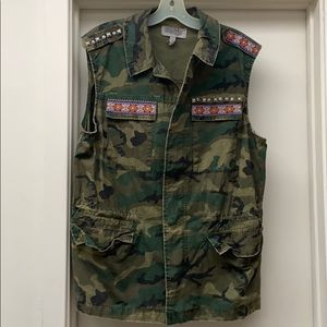 Camouflage vest large